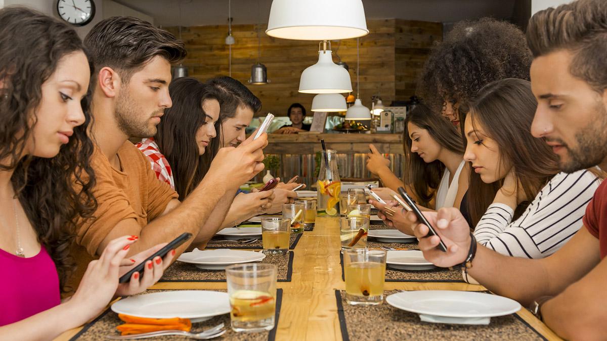 Czy jesteśmy niewolnikami smartfonów?