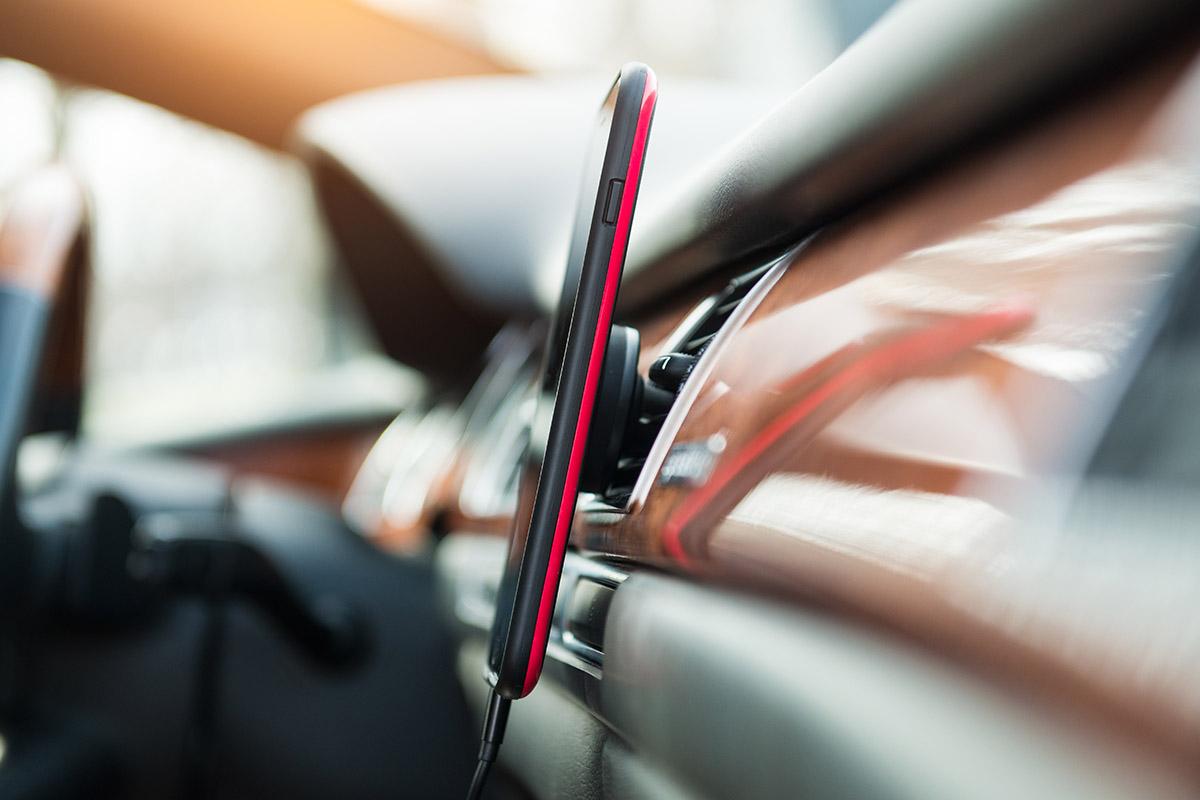 Uchwyt samochodowy do telefonu – rodzaje i zastosowania