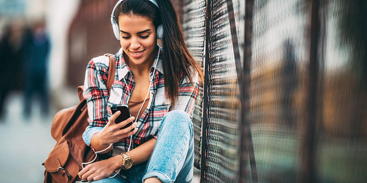 Które słuchawki nauszne, czyli coś dla zwolenników dobrego brzmienia.
