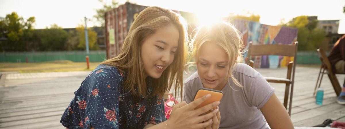 Jaki smartfon dla dziecka? TOP 5 polecanych modeli